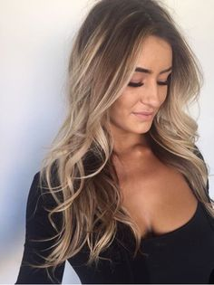 High contrast balayage // bronde // loose curls