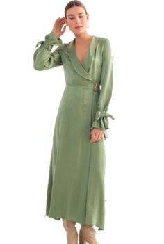 andotherstories dress Colour Trends, Spring Colors, Curves, Things To Think About, Women's Fashion, Green, Dresses, Sage, Vestidos