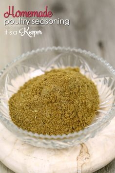 Homemade Poultry Seasoning - this easy homemade seasoning blend recipe tastes so much better than the stuff you buy at that store Homemade Dry Mixes, Homemade Spice Blends, Homemade Spices, Spice Mixes, Dry Rub Recipes, My Recipes, Cooking Recipes, Favorite Recipes, Turkey Recipes