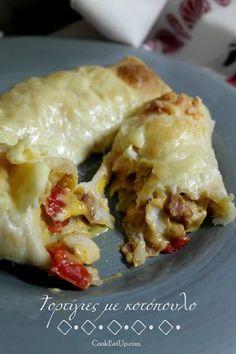 tortigies me kotopoulo sto fourno Greek Recipes, Mexican Food Recipes, Cookbook Recipes, Baking Recipes, Tasty Videos, Greek Cooking, Leftovers Recipes, Weird Food, Food Tasting