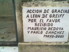 Grandes misterios. Foto de Ricardo Vásquez. Cementerio central