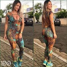 Macacão M1 Cobra na Lexafitwear. www.lexafitwear.com.br Lexa Fitwear é a linha fitness que garante a você extremo conforto na hora dos treinos, além de possuir um diferencial que vai te colocar em destaque ao entrar na academia: sensualidade na medida certa. Acredite, Lexa Fitwear vai valorizar ainda mais a sua beleza e seus treinos serão ainda mais motivados com a nossa linha de roupas. Use e comprove, você #lindadelexa!