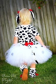 Dalmatian Costume - Cute Tail Love the bows in the ears and the tail. Need to get Ryann a tutu!