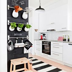 60 Chic Scandinavian kitchen designs for enjoyable cooking! (image via Hus & Hem)