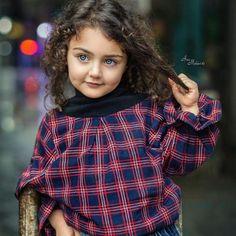 The World Cutest Baby - Anahita Hashemzadeh - My Baby Smiles Cute Little Baby Girl, Beautiful Baby Girl, Little Doll, Beautiful Children, Cute Kids Pics, Cute Baby Girl Pictures, World's Cutest Baby, Cute Baby Girl Wallpaper, Cute Babies Photography