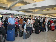 Conoce las 6 preguntas más frecuentes que… http://www.cubanos.guru/conoce-las-6-preguntas-mas-frecuentes-hacen-aeropuertos-estados-unidos/
