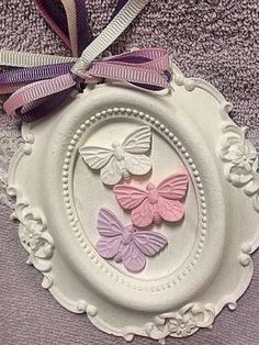 . Picture Frame Crafts, Cold Porcelain Flowers, Handmade Baby Gifts, Shabby Chic Frames, Clay Ornaments, Polymer Clay Crafts, Air Dry Clay, Box Frames, Clay Jewelry