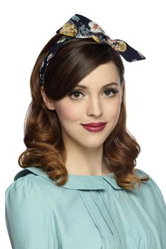 Definitely getting into this retro headband for spring