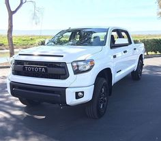 Tundra CREW MAX Predator Running Boards 4 Steps