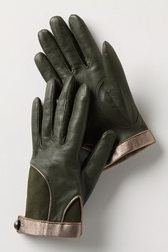 'test of time' leather driving gloves. gold trim and silk lining. Leather Driving Gloves, Leather Gloves, Best Gloves, Vintage Gloves, Uk Fashion, Mitten Gloves, Hand Warmers, Women's Accessories, My Style