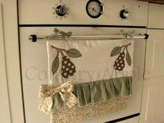 hanged by ties Sewing Hacks, Sewing Crafts, Sewing Projects, Handmade Crafts, Diy And Crafts, Sewing To Sell, Household Organization, Mug Rugs, Kitchen Towels