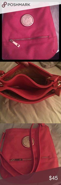 MK crossbody Perfect for summer pink crossbody purse Michael Kors Bags Crossbody Bags