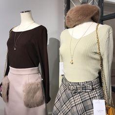 Apuweiser-richeの展示会では、モテ服をたくさん発見なかでも、2枚目のVネックニットはモテる!と大人気 . #apuweiserriche #arpege #fashion #autumn #アプワイザーリッシェ #アルページュ #展示会 #モテ #andgirl #アンドガール