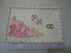 Resultado de imagem para bolos decorados com chantilly para bodas de ouro