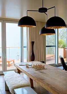Une+salle+à+manger+design+qui+mêle+les+matières