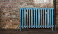 3 column 645mm in bronze verdigris with Renaissance (type A1) valves and standard natural brass wall stays