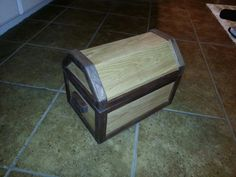 Pallet Treasure Chest   ** Follow all of our boards** http://www.pinterest.com/bound4burlingam/