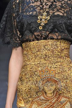 Dolce & Gabbana: combination of print/texture/structure