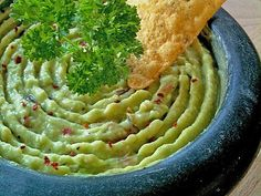 Guacamole – Dip, a nice recipe from the category vegetarian. Ratings: Average: Ø Guacamole – Dip, a nice recipe from the category vegetarian. Ratings: Average: Ø Guacamole Dip, Guacamole Recipe Easy, Fresh Guacamole, Avocado Dip, Homemade Guacamole, Avocado Dessert, Avocado Recipes, Avocado Toast, Chicken Snacks