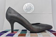 #zapatos #salon #tacones #medheels #designshoes #moda #madeinspain #handmade #shoes #original #custommade #madetoorder #look #outfit #fashion #shopping jorgelarranaga.com