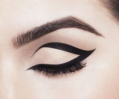 Mod winged liner #beauty