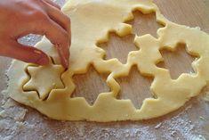 La pasta frolla morbida è una variante della ricetta classica ancora più soffice e perfetta per preparare crostate e biscotti. Ecco la ricetta e la variante Bimby Pasta, Waffles, Breakfast Recipes, Food And Drink, Sweets, Cookies, Desserts, Free, Vegetarian Food