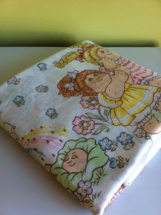 I'm convinced I am going to find a set of these sheets at a thrift store...its why I occassionally check them out