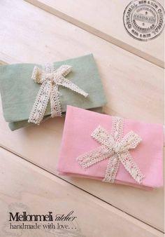 Μπομπονιέρα ποσέτα με δαντέλα Gift Wrapping, Handmade, Gifts, Gift Wrapping Paper, Hand Made, Presents, Wrapping Gifts, Favors, Gift Packaging