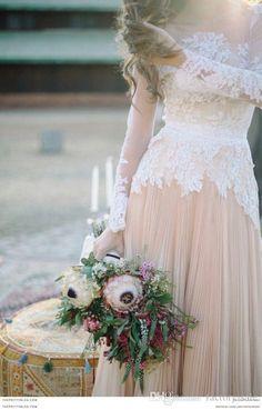 2016 Spring 2015 Fall Long Poet Sleeves Boho Wedding Dresses Jewel Neck Lace Appliques Chiffon Paneled Bohemian Wedding Dresses BO8914
