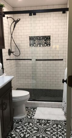 Bathroom Design Trends 2019 for Best ROI 2019 Small bathrooms are a great place to get creative! Here are the latest bathroom trends for The post Bathroom Design Trends 2019 for Best ROI 2019 appeared first on Shower Diy. Upstairs Bathrooms, Downstairs Bathroom, Small Basement Bathroom, Bathroom Layout, Bathroom Bin, Small Master Bathroom Ideas, New Bathroom Ideas, Master Bathrooms, Bathroom Towels