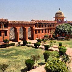 Jaigarh Fort is situated on the promontory called the Cheel ka Teela of the Aravalli range; it overlooks the Amber Fort and the Maota Lake, near Amber Address:Jaigarh Rd, Devisinghpura, Jaipur, Rajasthan,India.