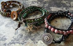 another great wrapped leather bracelet tutorial Do It Yourself Jewelry, Do It Yourself Fashion, Beaded Jewelry, Handmade Jewelry, Beaded Bracelets, Leather Bracelets, Wrap Bracelets, Leather Cord, Hippie Bracelets