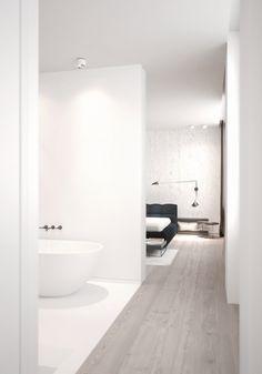 Modern bathroom inspiration byCOCOON | bathroom design products | sturdy stainless steel bathroom taps | bathroom design | renovations | interior design | villa design | hotel design | Dutch Designer Brand COCOON