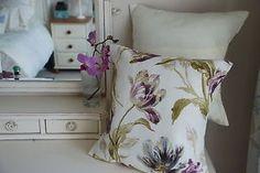 "Cushion Cover 16/"" x 16/"" Sanderson Fabrics William Morris-Thistle Purple"