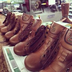 A peek during the 2015-16 F/W production on Zecchino d'Oro Factory ... coming soon on the best worldwild shops ❤️❤️ #zecchinodoroshoes www.zecchinodoro.it #fashion #outfit #kidsshoes #childrenshoes