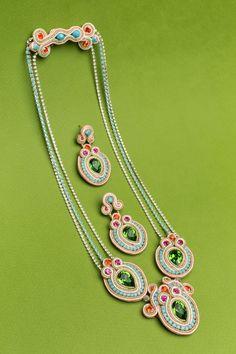 Resultado de imagen para soutache tecnica Bangles, Bracelets, Washer Necklace, Handmade, Jewelry, Fashion, Beading, Pendants, Jewels