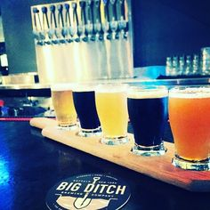 Deep Cut by Big Ditch Brewing Company (all the way on the right of the flight) - I LOVED this IIPA super juicy with strong clementine and melon hop notes. NYC would lose their mind over this Buffalo brew! Also on the flight are Low Bridge a grainy golden ale; Excavator an exquisite velvety brown ale; Hayburner an awesome IPA brewed with local ingredients; and the heavily malted Vanilla Oatmeal Stout. Gotta recommend Big Ditch Brewing - can't wait to go back!  #bigditchbrewing #beerflight…