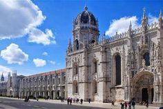 O Mosteiro dos Jerónimos é um dos nove monumentos mais belos entre os locais protegidos pela UNESCO para o site norte-americano Yahoo Travel.  O monumento lisboeta, considerado Património Mundial da Humanidade pela UNESCO em 2007, encontra-se entre os nove mais fantásticos do mundo de acordo com um artigo publicado pelo site no passado sábado.  O Mosteiro dos Jerónimos, que demorou 100 anos a ser construído, é dotado de um elevado nível de detalhe, pode ler-se no portal. É, além disso,