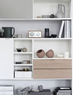 C: BoConcept Copenhagen wall system Boconcept, Interior Styling, Interior Decorating, Bookshelf Styling, Living Room Storage, Shelf Design, Home Decor Inspiration, Living Room Designs, Shelving