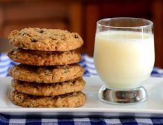 Big, Bakery-Style Oatmeal Raisin Cookies
