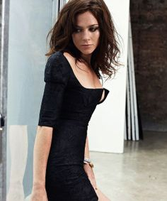 Christmas Came Early for Fans of Actress Anna Friel (2 of 10) | Anna Friel was born in Rochdale, Lancashire, England on July 12, 1976.