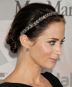 La sencillez de llevar una diadema: las famosas no se despegan de ella