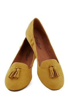 I Got Frills Flat. Even casual ensembles deserve a wink of flair, which is why you adore the tassels atop these low-key Lucky Brand loafers! #yellow #modcloth