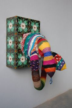 Joana Vasconcelos is one of the names in this Pop art exhibition inaugurated on the at the Bienal Museum in Cerveira. Textile Sculpture, Textile Art, Textiles, Pop Art Artists, Pop Art Movement, Tate Gallery, Link Art, Feminist Art, Yarn Bombing