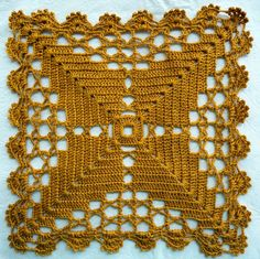 Doily Centerpiece Table Linen Home Crochet Lace Edging, Crochet Motifs, Granny Square Crochet Pattern, Crochet Blocks, Crochet Squares, Thread Crochet, Crochet Granny, Crochet Flowers, Crochet Cushions