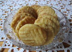 Herkkuja leipomassa: Talonpojankakut/ Pesant Cakes Pie, Cheese, Desserts, Food, Pie And Tart, Pastel, Deserts, Fruit Cakes, Pies