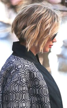 Jennifer Lawrence Grows Out Her Pixie Into a Bob Hairstyle