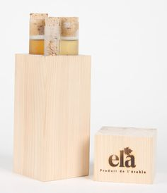 David Theroux - Ela - A series of tastings of maple syrup and its derivatives. Packaged in test tubes the series is embedded in a block of maple wood ready to enjoy.