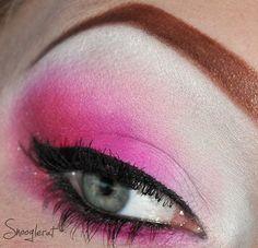 Hot pink eyes #Pink #eyebrows #sugarpill #makeup #inspiration