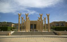 Darioush Winery: The building and grounds of this Napa winery are meant to resemble a Persian palace, an homage to the owner's heritage. Persian Palace, Napa Valley Wineries, Napa Winery, Wine Gift Boxes, Wine Gifts, Wine Safari, Sangria Wine, Wine Case, Vitis Vinifera